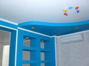 Детская 10 кв.м. - натяжные потолки с установкой люстры