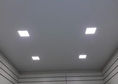 Одноуровневые натяжные потолки (11)