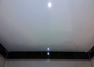 Одноуровневые натяжные потолки (3)
