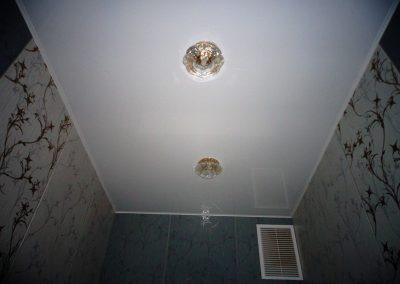 Одноуровневые натяжные потолки (4)