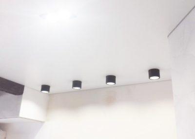 Одноуровневые натяжные потолки в Оренбур - СкайЛайн (9)