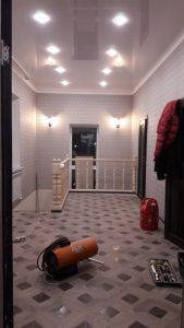 Одноуровневые натяжные потолки — Скай Лайн в Оренбурге (27)